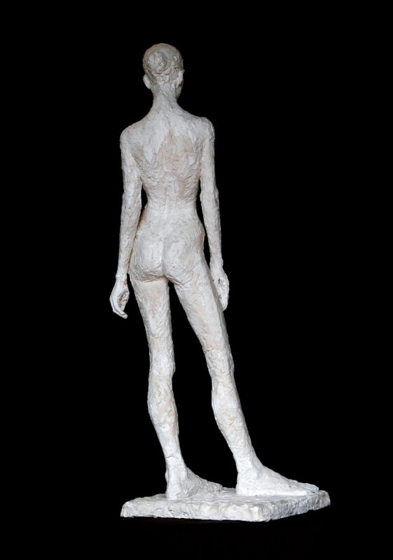 Linde-Kauert_kl-stehende-Skulptur-1