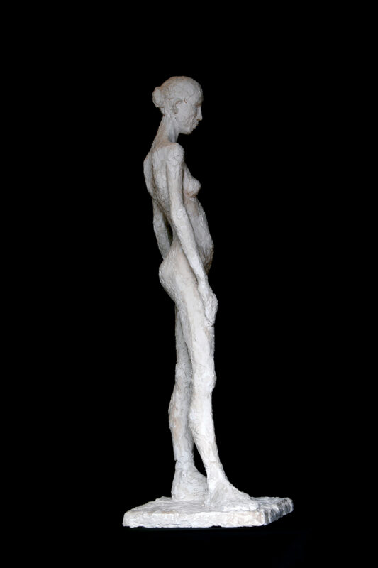 Linde-Kauert_kl-stehende-Skulptur-4
